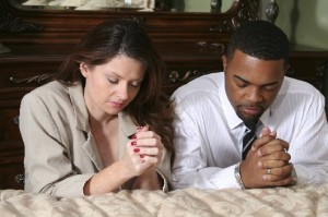 couple praying mixed MED